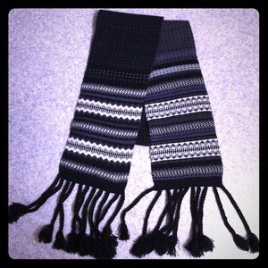 Accessories - Nordic Knitted Scarf w Braided Tassels